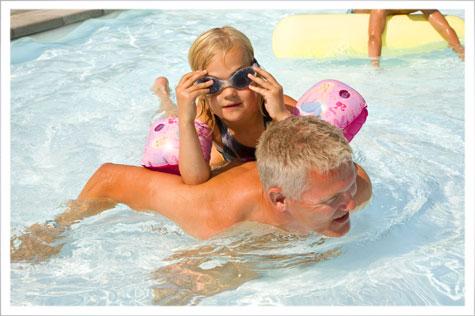 Pool, legeland og masser aktiviteter p� Storl�kke i Allinge