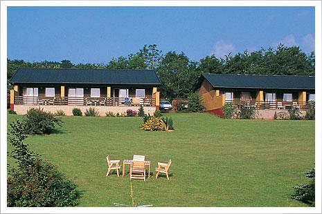 Klintely er både hotellejligheder og ferielejligheder på Bornholms nordside