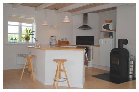 Møllehuset har et stort og dejligt køkken.