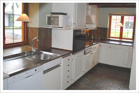 Plummahuzed har et stort og veludrustet køkken.