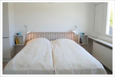 Soveværelserne i Årsdale Søpark.